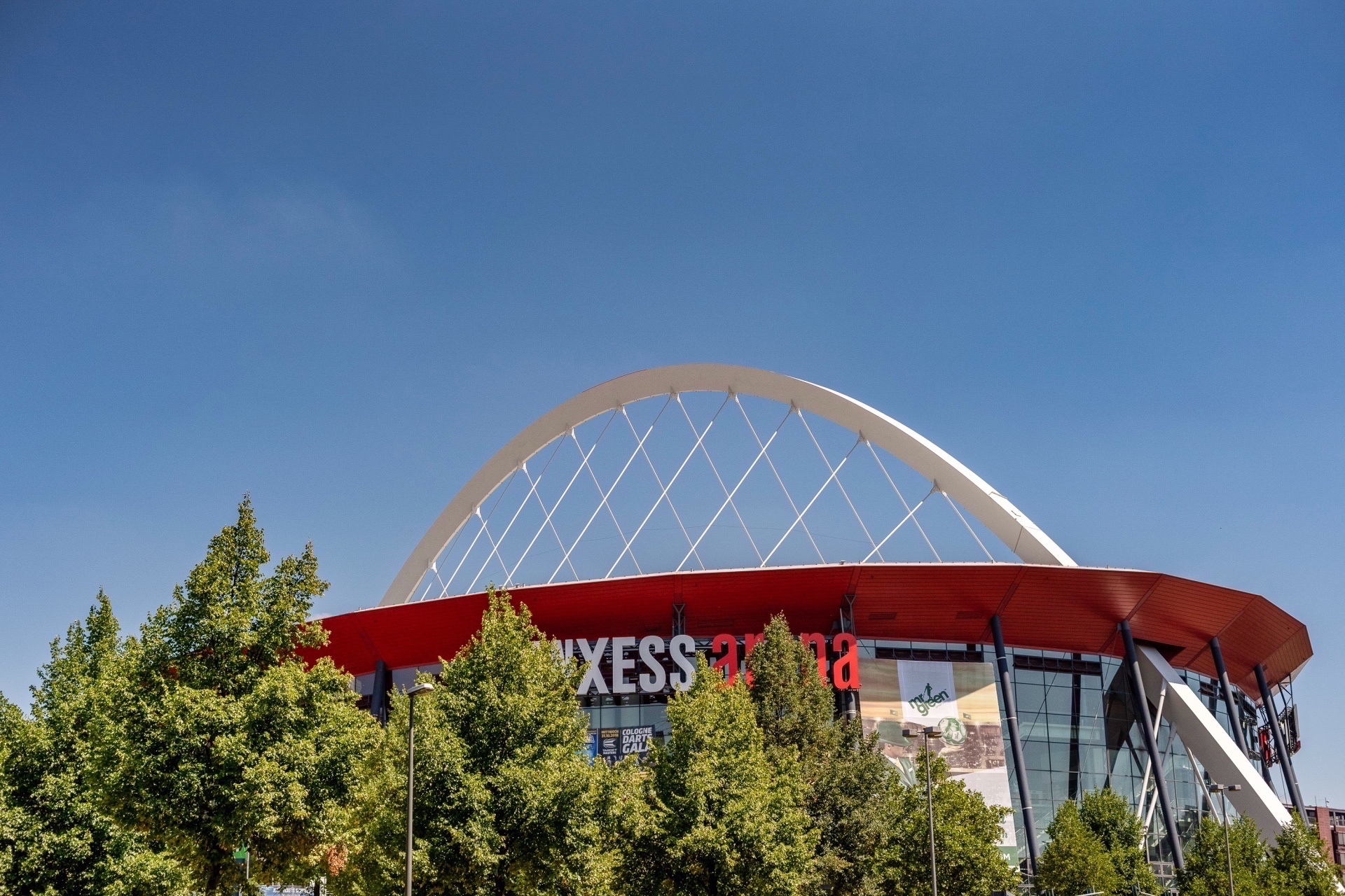 Lanxess Arena in Deutz - Immobilienmakler Köln