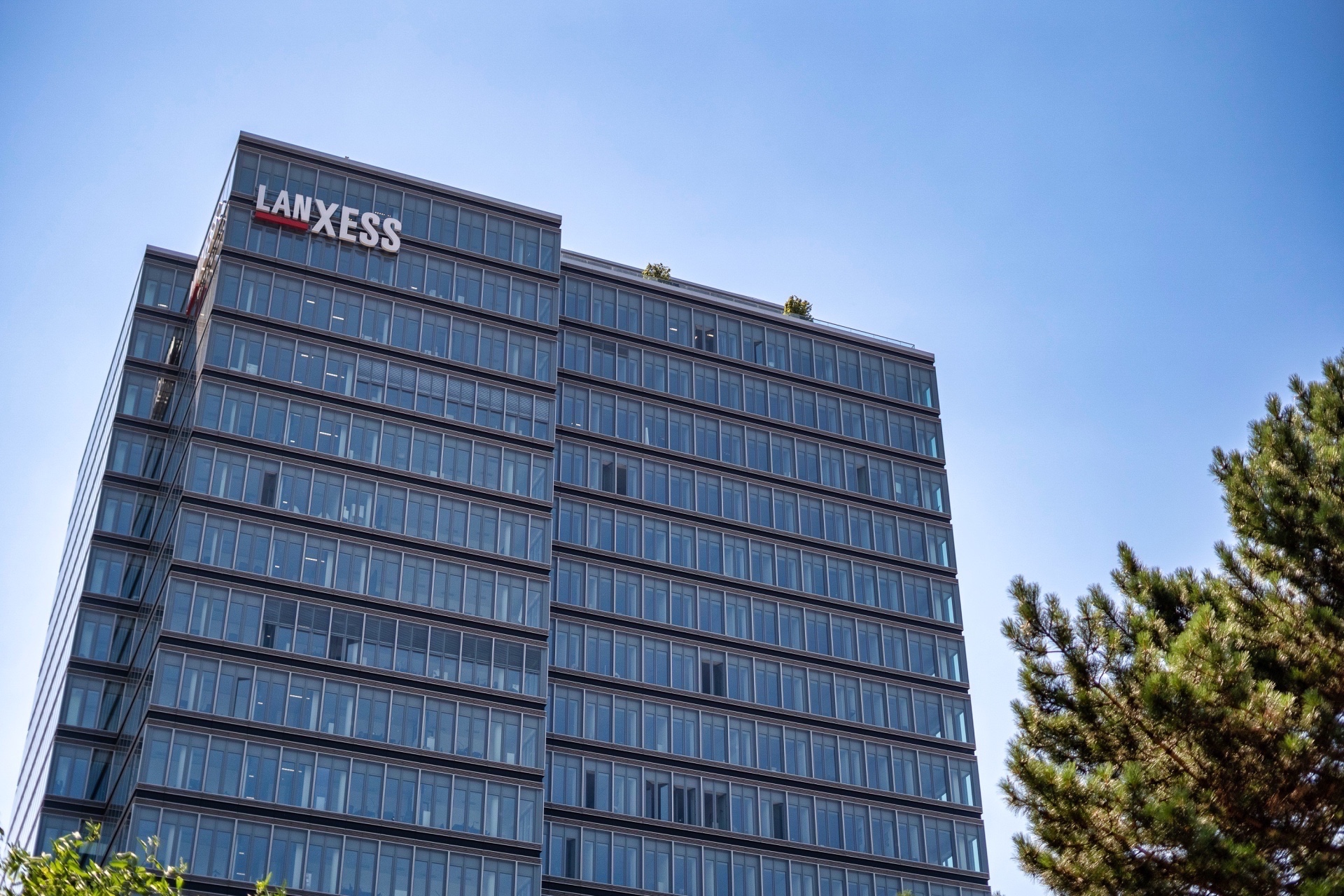 Lanxess Tower in Deutz - Immobilienmakler Köln